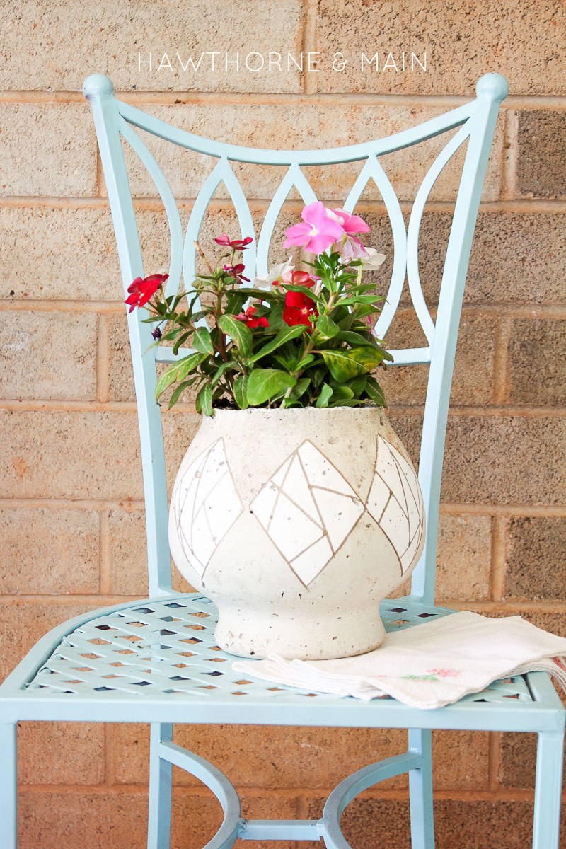 Cement has been pretty popular lately.  I decided to try my hand at making a cement flower pot.  It turned out pretty cool.  Come get all the details on how you came make one too!