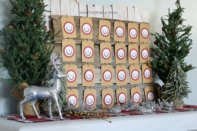 DIY holiday advent calendar. The perfect tradition for families to count down the days until Christmas. This advent calendar comes with a fun twist. #HolidayRandomActs