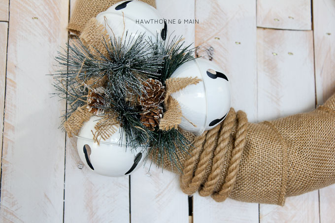 Love this burlap jungle bells wreath! So easy and fun. Pinning!