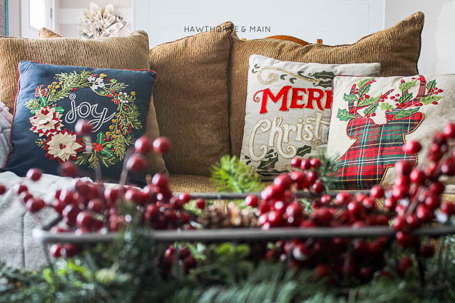 rustic plaid holiday christmas decor so pretty landscape1
