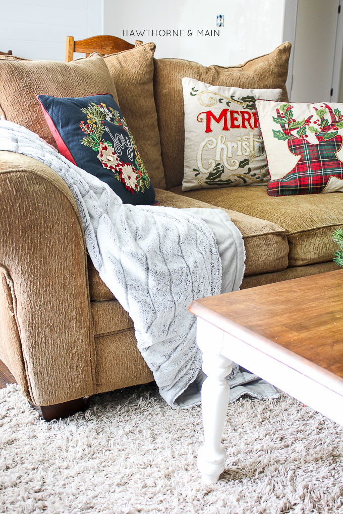 Decorating doesn't have to be hard. Check out these3 Fail Proof Holiday Decor Ideas
