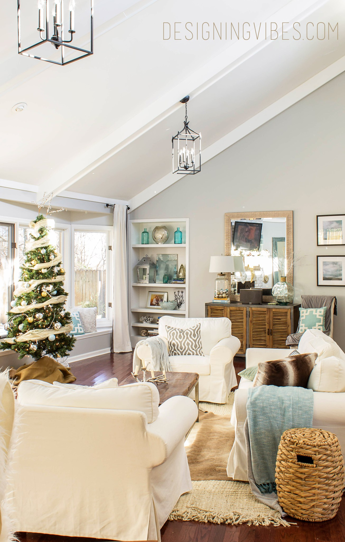 5 amazing christmas home tours bwt 8 little glass jar for The living room channel 10 instagram