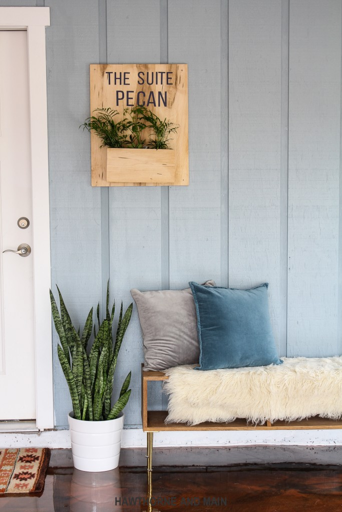 tiny-house-entrance