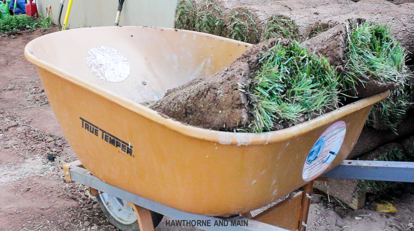 use-wheelbarrow-to-save-lifting-heavy-sod