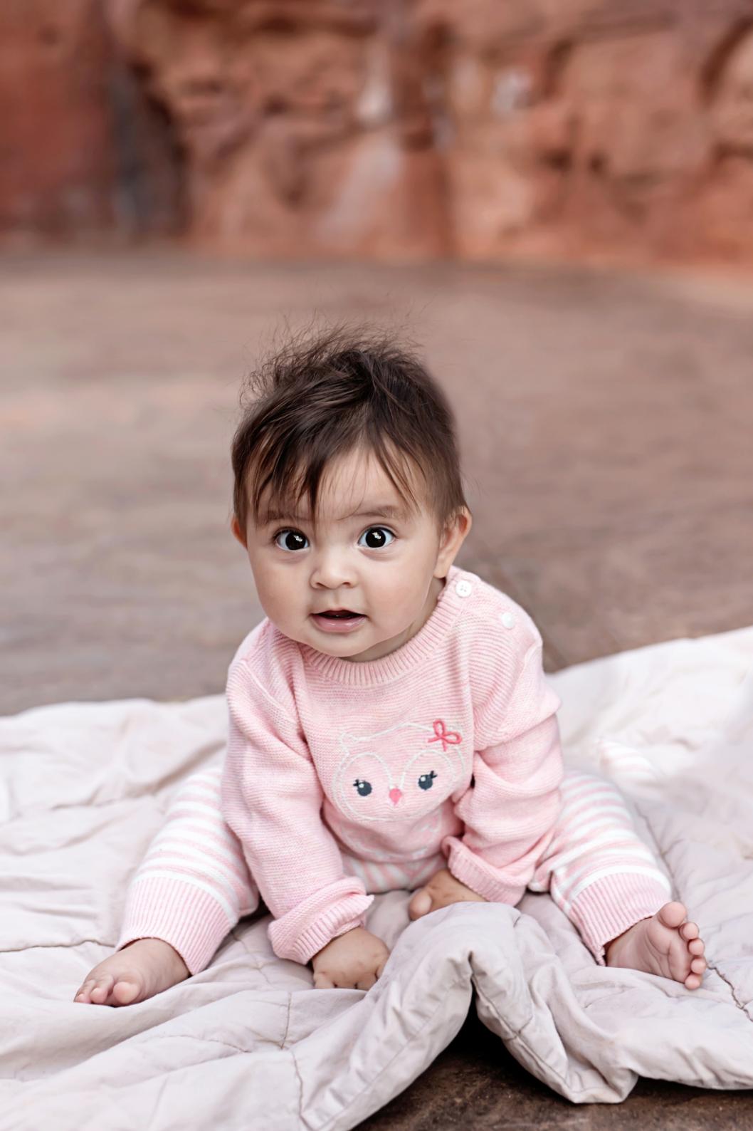 baby-sitting-on-blanket
