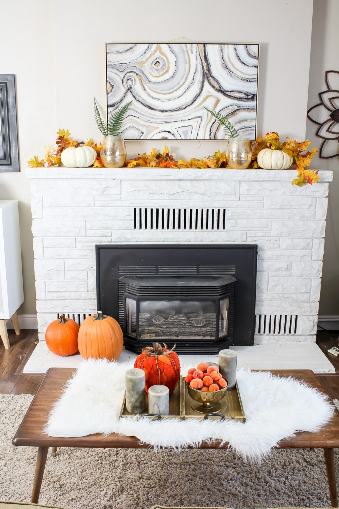 fall-centerpiece-on-a-coffee-table