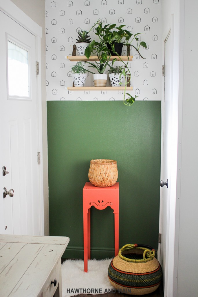 green-accent-wall