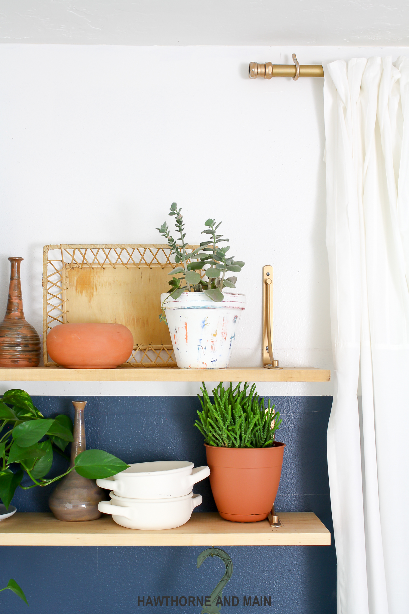boho-styled-shelves