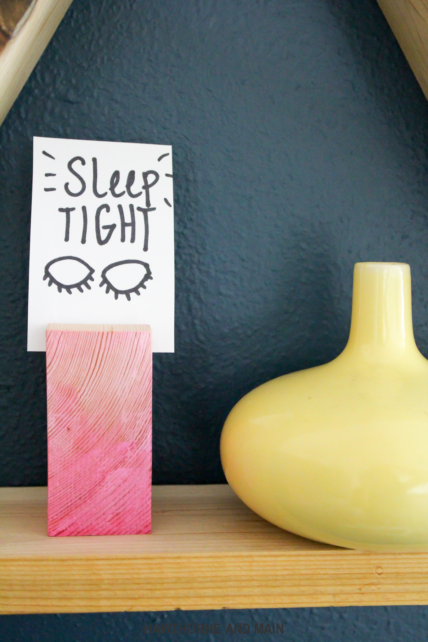 sleep-tight-sign