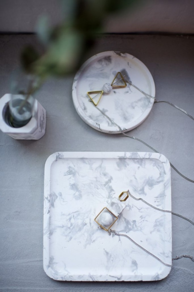 Marbled-Tray-Using-Concrete-17-778x1167