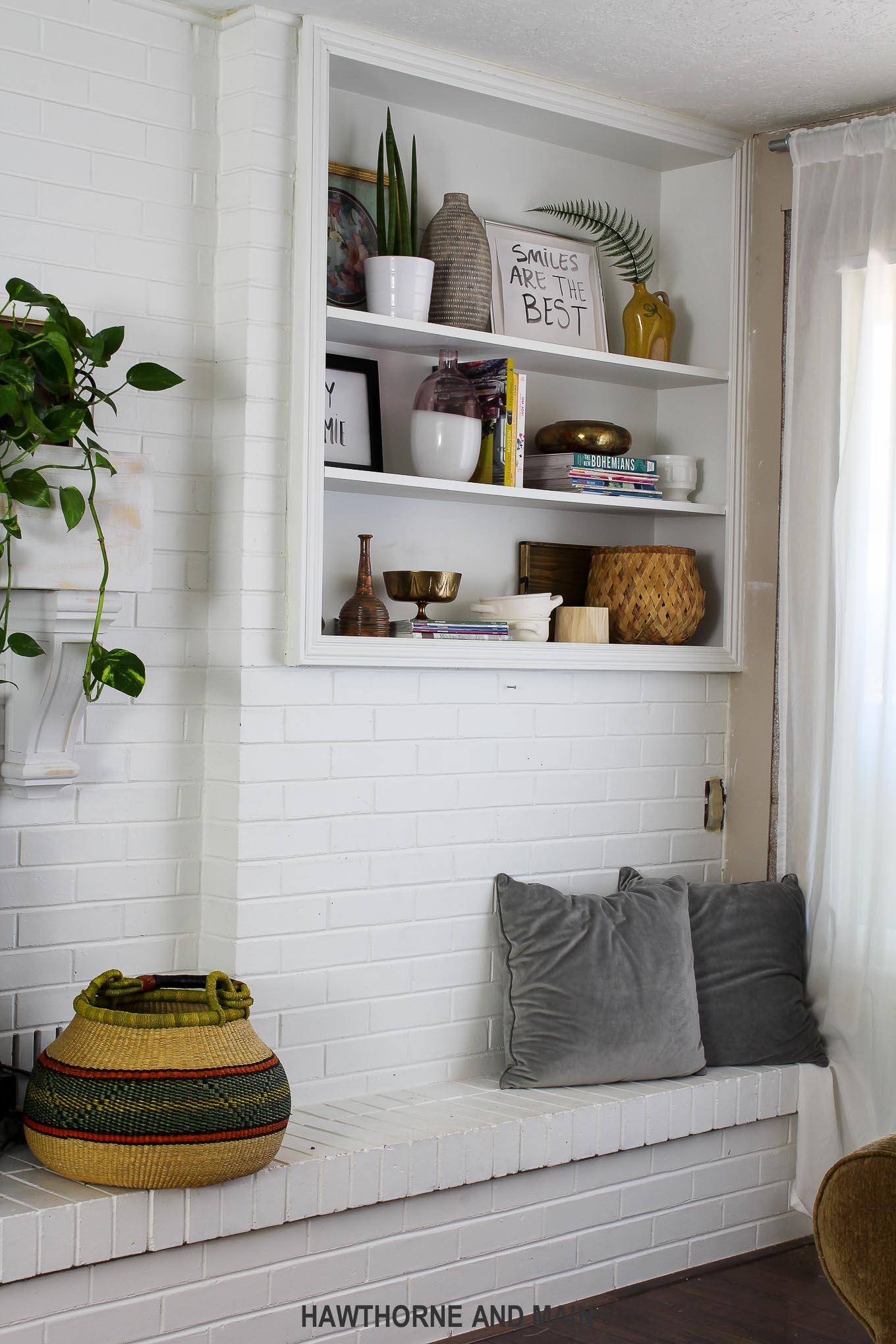 how-to-style-shelves