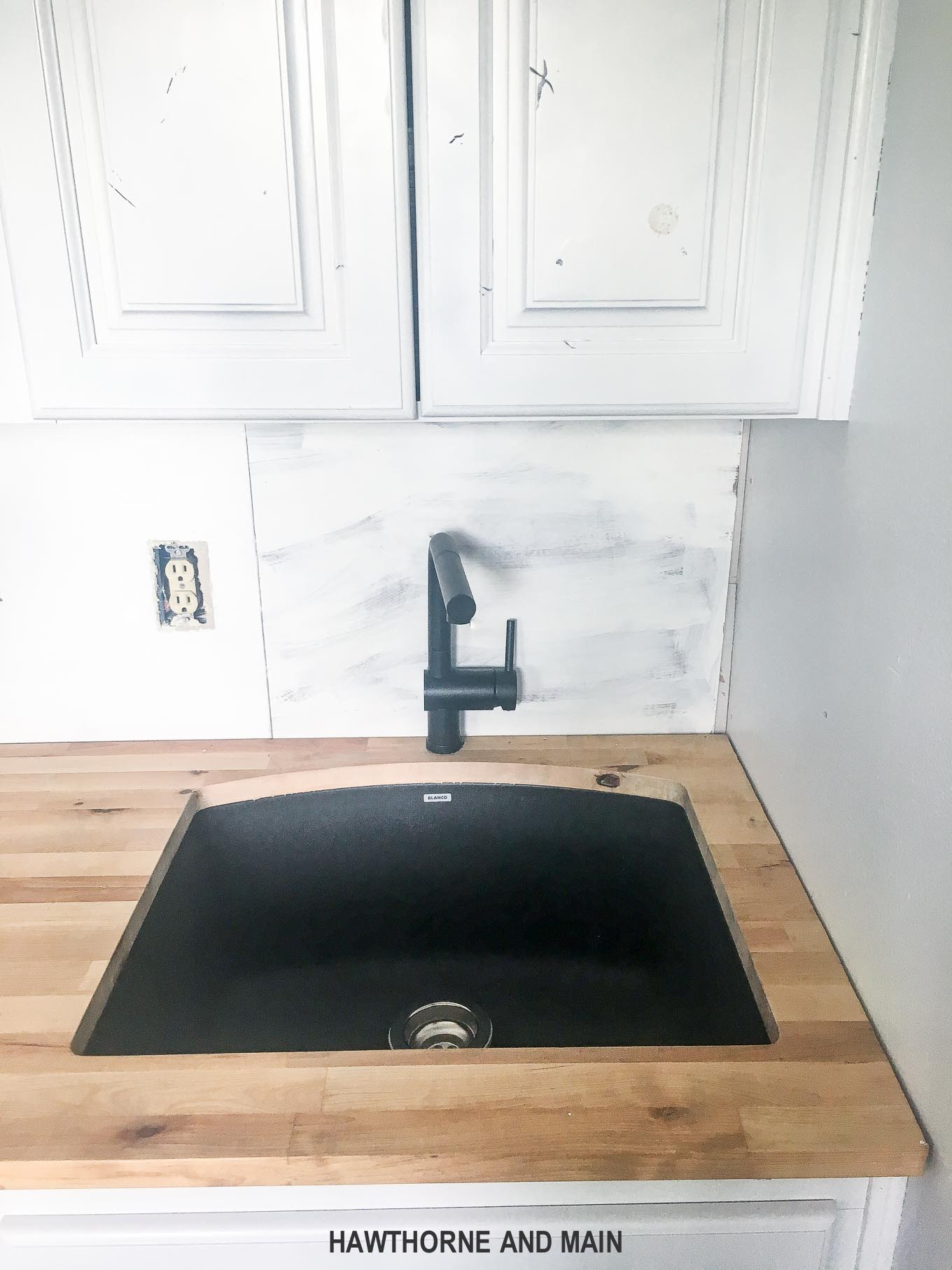How to install an undermount sink...and learning when to DIY and when to get help. Part of DIY is learning when to get help on projects. DIY undermount sink